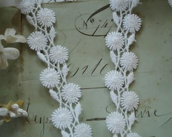 1y Vintage USA White Daisy Flower Dyable Schiffli Venise Cotton Applique Lace Trim Ribbon French Doll Dress Bonnet Hat Crazy Quilt