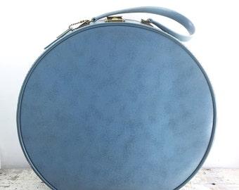 Vintage Taperlite Powder Blue Travel Hat/Train Case