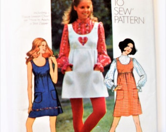 Simplicity 9776 Young Junior/Teens and Misses' Dress And Blouse Sizes 14 Sewing Pattern Print 1971 Uncut Complete