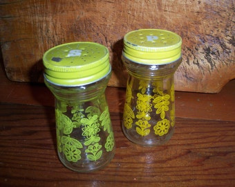 Vintage Avocado Green and Yellow Retro Glass Salt and Pepper Shakers Kitchen Dining Eating Decor