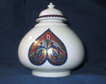 Elizabeth Arden BYZANTIUM Byzantine Love Birds Jar with Lid, Porcelain, c. 1980
