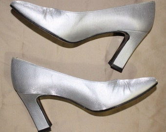 "Vintage 80's 90's Stuart Weitzman Shoes, 3"" Heels, Silver Pumps, Size 7.5M Made in Spain"
