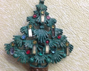 Vintage Green Christmas tree brooch