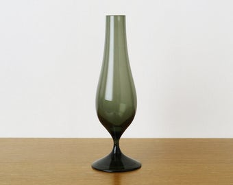 Vintage Whitefriars Shadow Green Stemmed Soda Range Vase, # 9606, design Geoffrey Baxter; 1960s Mid-Century Retro Green Glass Specimen Vase