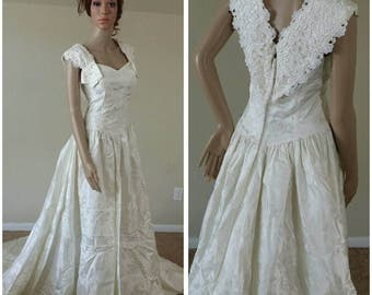 stunning vintage 90s ivory wedding dress wedding gown with train