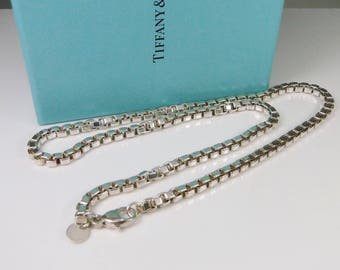 Estate Tiffany & Co Sterling Silver Venetian Box Chain Link Necklace 18 inches with Tiffany Box