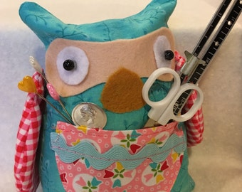 Owl Pincushion, handmade, OOAK, sewing notions included.