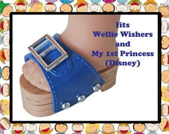Vintage 2-1/4 inch x 1-1/4 inch Blue Plastic Clogs, Disney My First Princess Toddler doll, American Girl Wellie Wisher, summer doll shoes