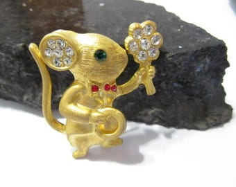 Signed Gerry's Figural Mouse Holding A Flower and Top Hat Pin Sparkly Rhinestones Figural Brushed Gold Tone Cute Great Gift!