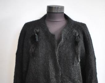 Vintage HANDMADE wool cardigan , women's cardigan .........(034)