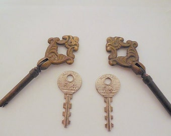 Lot of 4 Vintage Brass Cupboard Skeleton Keys