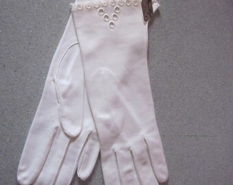 """1950s Unworn White Cotton Gloves, """"Made in Western Germany,"""" Size 7"""
