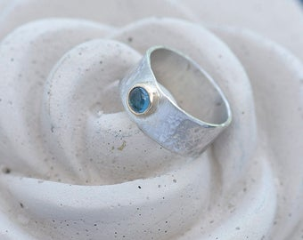 Wide Band Silver and Topaz Ring, Wide Band Hammered Silver Ring with Blue Topaz, December Birthstone Silver Ring Size P, Silver Ring Size 8
