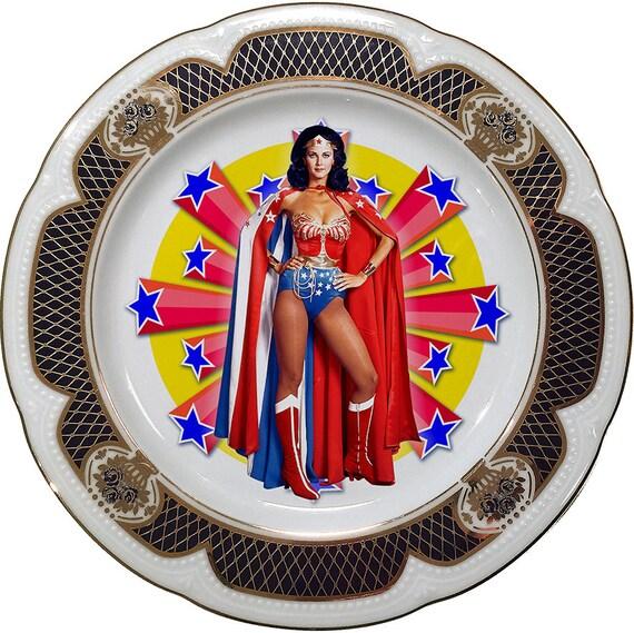 Wonder Woman - Vintage Porcelain Plate - #0407