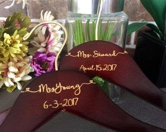 SALE Engraved Bridal Hanger, Bride Hanger, Name Hanger, Wedding Hanger, Personalized Bridal hanger, Bridal Gift name hanger gold letter