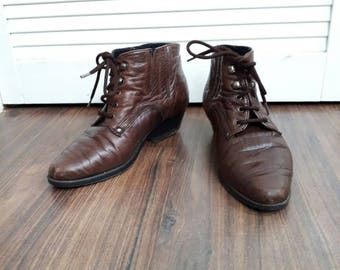Caroline 1980's vintage boots ankle boots leather boots laceup boots brown boots ladies boots size 3