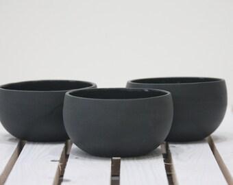 Ceramic bowl in black and glossy glaze.ceramic set bowl,ceramic dinnerware,housewarming gifts,small ceramic bowl,unique kitchen decor.