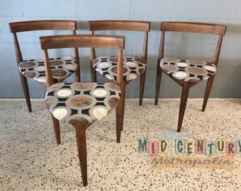 Set of Mid Century Modern Holabird Furniture Three Leg Dining chairs (4)