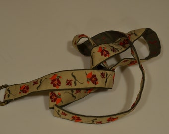 Vintage flower cloth belt, tan with flowers