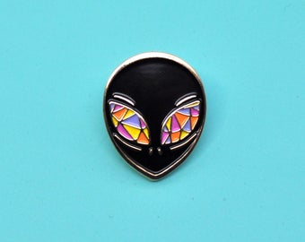 Alien enamel pin / Crystal eyes / X Files / Sci Fi / UFO / Black and pink