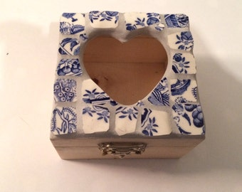Small mosaic box, jewellery, keepsake box, 10cm x 10cm
