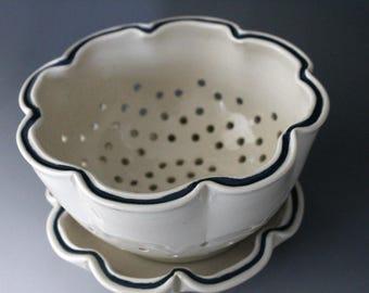 Ceramic berry bowl, White berry bowl, Pottery berry bowl, Ceramic handmade berry bowl, Ceramic collander, Handmade collander White collander