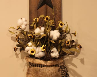 Decorated Tobacco Lath with Star, Burlap bag, Daisies and Cotton Boll Plant