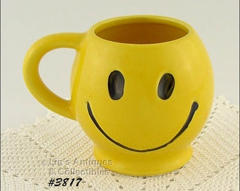 Vintage McCoy Pottery Vintage Smile Smiley Happy Face Mug  Cup at Lin's Antiques and Collectibles (Inventory #3817)