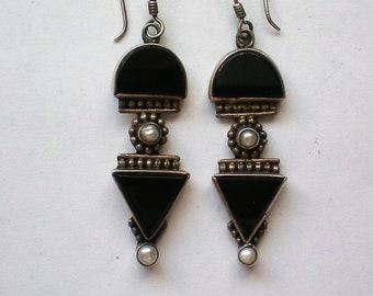 Black Onyx Dangle Pierced Earrings - 5111