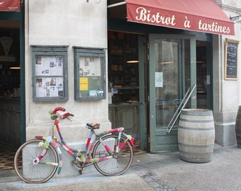 Yarn-Wrapped Bike in front of Bistrot à Tartines, France - Photography Print