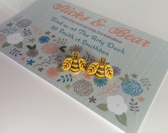 Bee Earrings - 1x pair of earrings in bumble bee design - cute yellow bee - 10mm Bees set on surgical steel posts