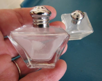 Vintage Geometric Clear Individual Salt and Pepper Shakers.