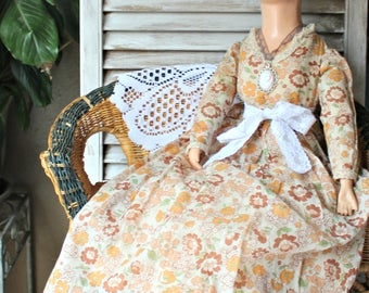 Vintage! Boudoir doll! Beautiful doll!