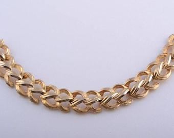 Gilt Retro 1960's Bracelet (577x)
