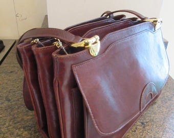 REALLY Lovely Vintage 1970's Brown Leather Handbag -Double Handles - So Cute!!