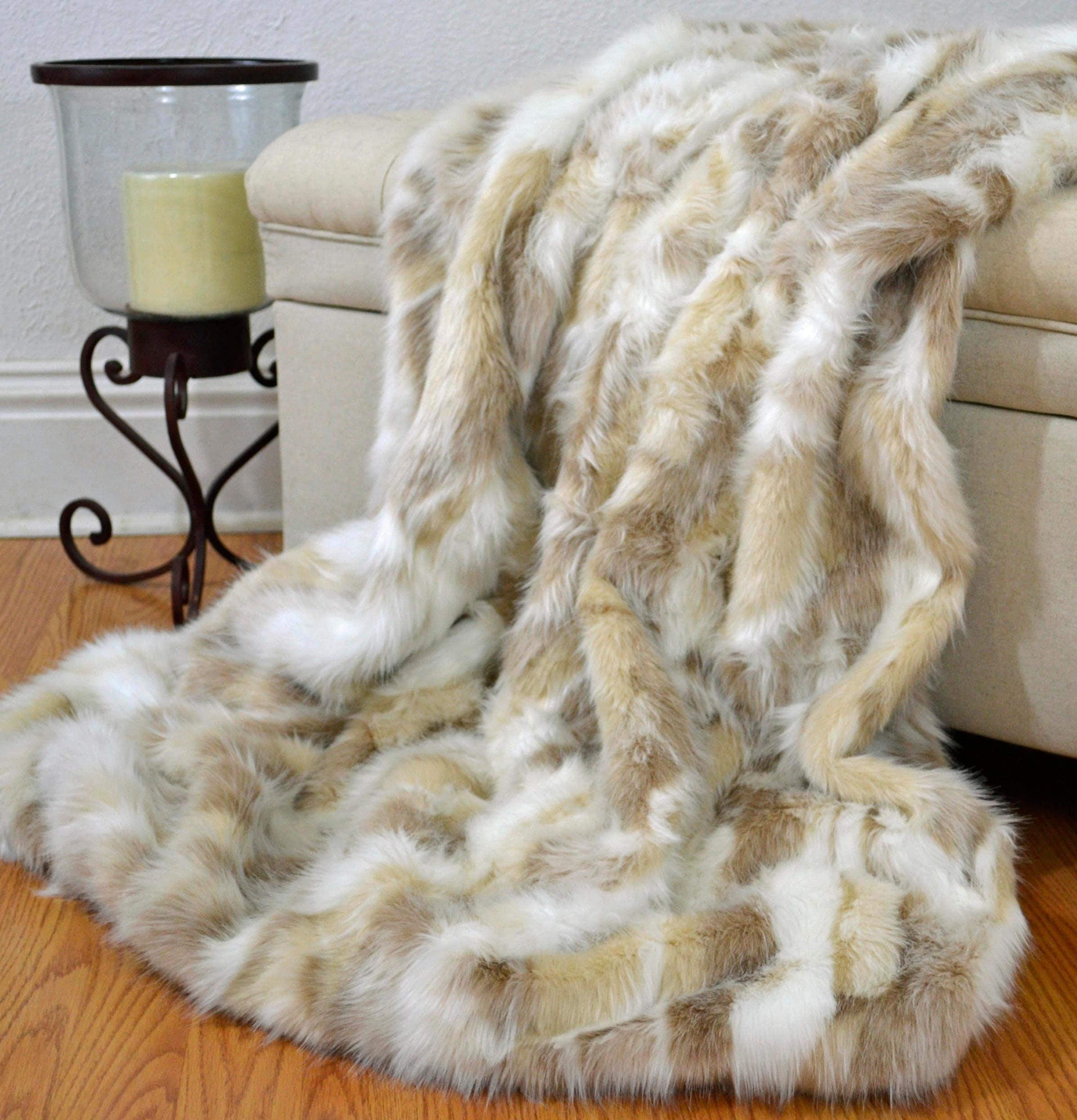 faux fur blanket throw fox fur blanket forest fox fur throw. Black Bedroom Furniture Sets. Home Design Ideas