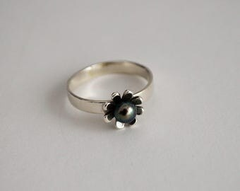 Sterling silver with Pearl ring