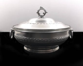 Vintage Aluminum Casserole Dish with Lid and Divided Pyrex Glass Insert 595, Covered Serving Pedestal Bowl