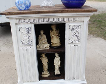 Nice Shabby Chic vintage cabinet