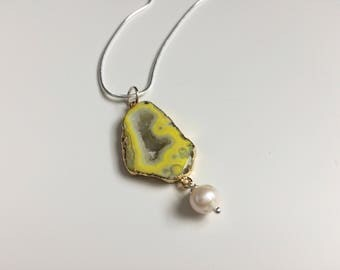 Yellow Geode Necklace - Agate Geode Necklace - Yellow Necklace - Yellow Rock Pendant - Geode Pendant - Raw Geode Pendant - Teacher Gift
