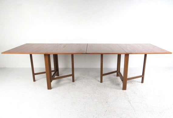 Mid-Century Modern Drop Leaf Dining Table in the style of