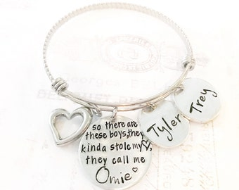 Mother's bracelet - mother and son - Custom jewelry - Mommy jewelry - Hand stamped bracelet for Mother - Gift for mom - Mother of boys