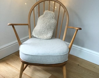 Sheepskin hot water bottle cover 'Hottie' natural oyster coloured curly sheepskin. Create hygge !