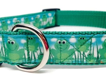 Green Frogs Dog Collar, Adjustable, Quick Release, 1 inch