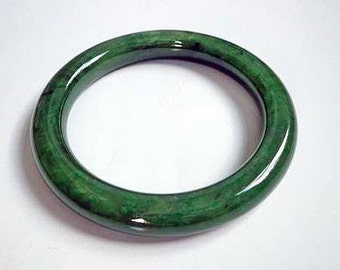 54.5 mm Nephrite jade round bangle bracelet. S154