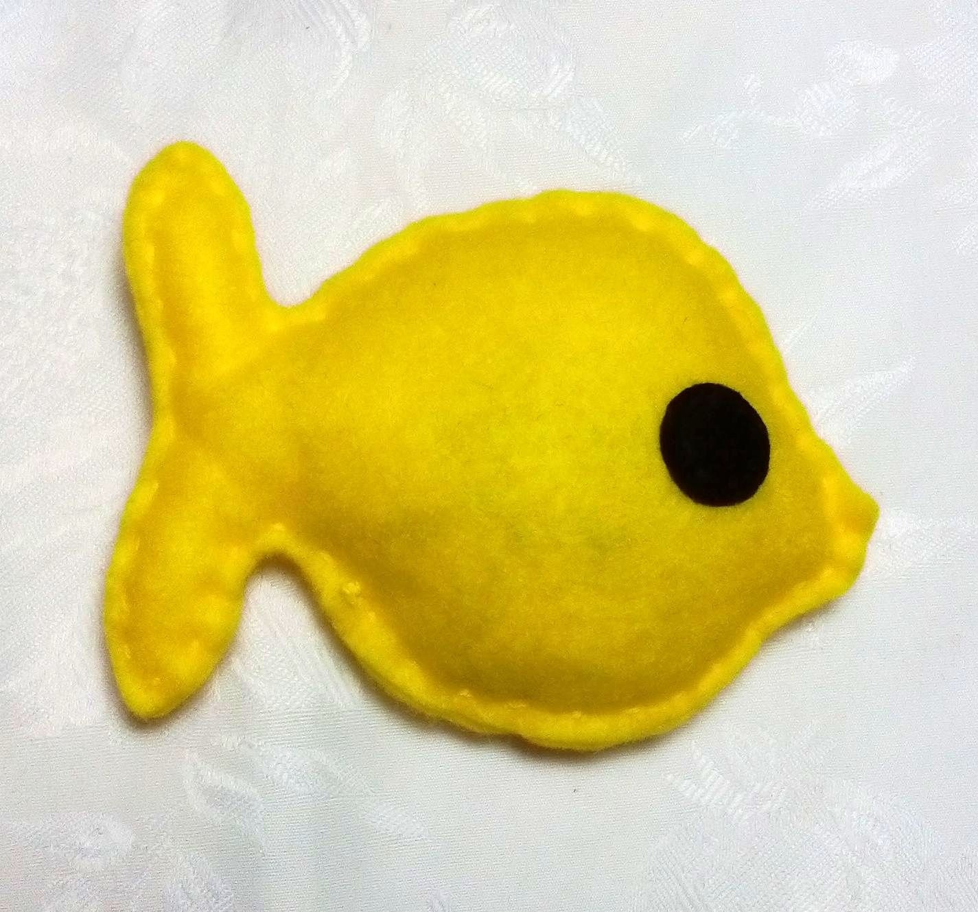 Catnip fish cat toy felt fish felt cat toy catnip toy for Fish cat toy
