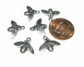 Antique Silver Bee Charm Pendants(No. 066)