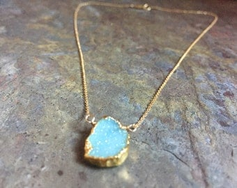 Druzy pendant gold necklace