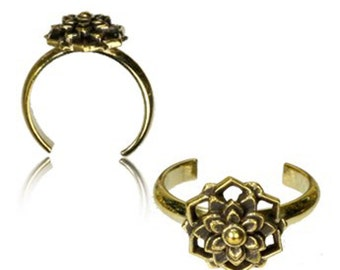 Brass toe ring Starworts high golden antique adjustable nickel-free (RB-221)