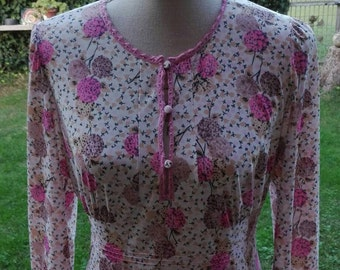 70 years Nightgown, psychedelic flowers romantic woman and sensual girl in flower, VINTAGE 70s sensual Fuchsia pink